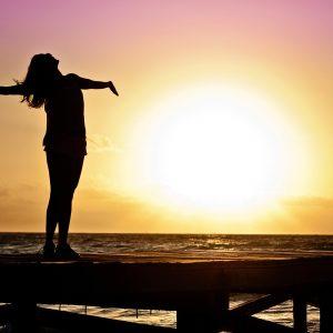 Hoe bescherm je het haar tegen de zon?